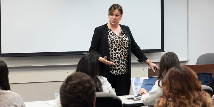 Classroom, interaction, Faculty - Pepperdine GSEP