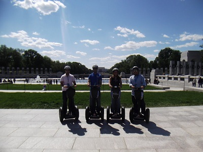 People on segways pose for picture during 2011 Washington, D.C. trip - Pepperdine GSEP