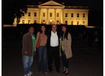 Students in front of the White House during 2011 Washington, D.C. trip - Pepperdine GSEP